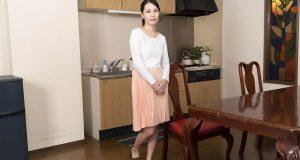 上山奈々 [VR] 旦那には内緒ですよ!夫の同僚にむしゃぶりつく美人痴女妻